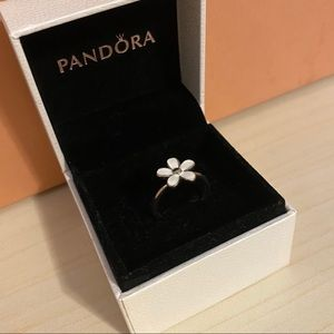 PANDORA White Flower Ring Sterling Silver